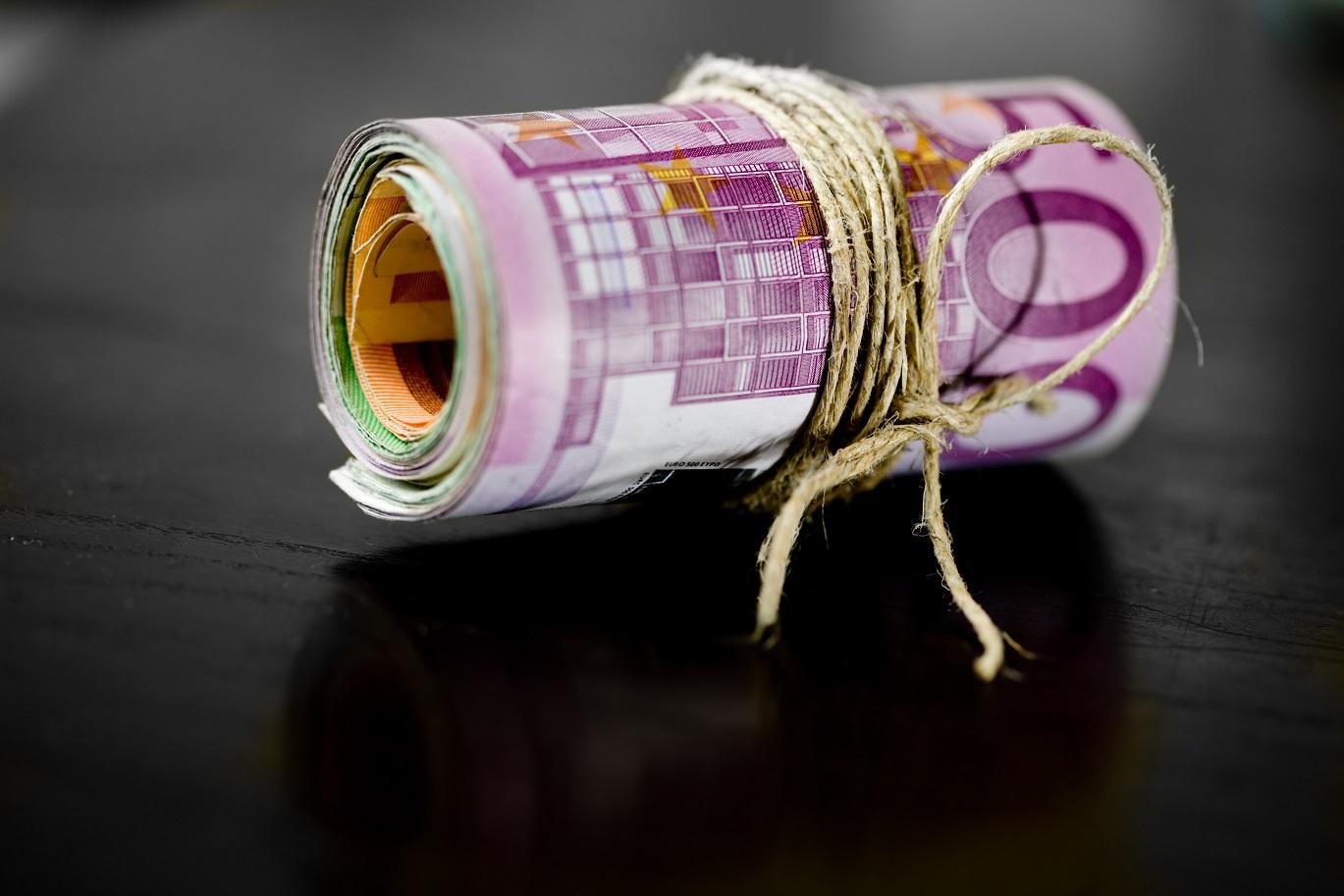 vippiä 100 euroa